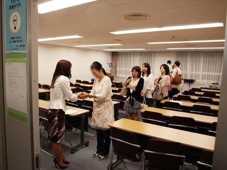 1 東京 握手.jpg