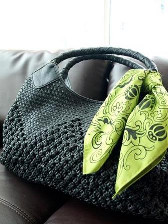 1ファッション 黒バックにスカーフ.jpg