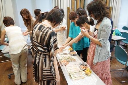 1大阪 お菓子選び.jpg