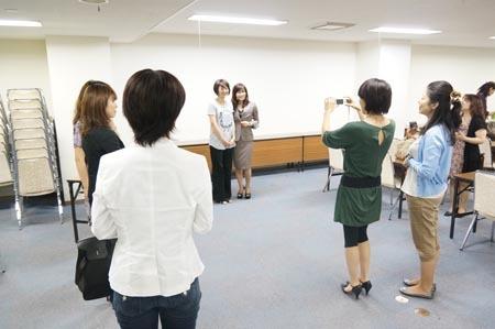 1札幌 受講者様とワタナベ.jpg