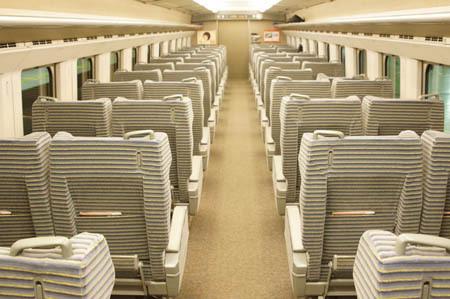 1東京 グリーン車ガラガラ.jpg