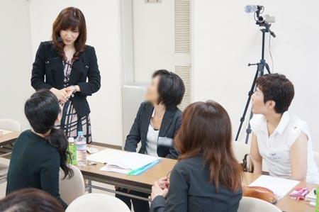 1金沢 グループの人とワタナベ.jpg