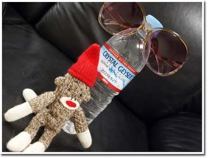 25美人になる方法 水とサングラス.jpg