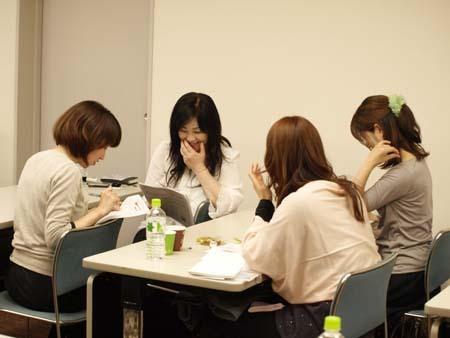 2 福岡 グループワーク中2.jpg