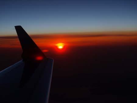 3 美人 飛行機からの夕焼け.jpg