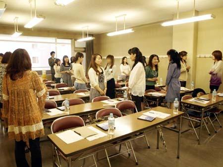 7 美人 横浜会場参加者様同士での自己紹介.jpg
