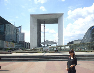 20世紀の新凱旋門.jpg