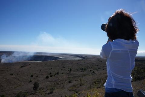 キラウエア火山撮るワタナベ.jpg