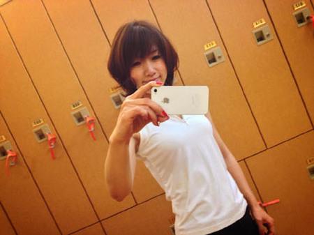 ジム白いシャツ.jpg