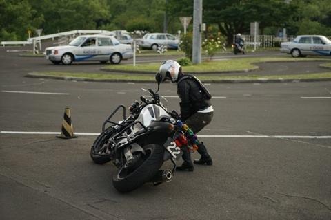 バイク 引き起こし1.jpg