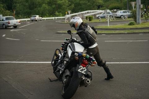 バイク 引き起こし2.jpg