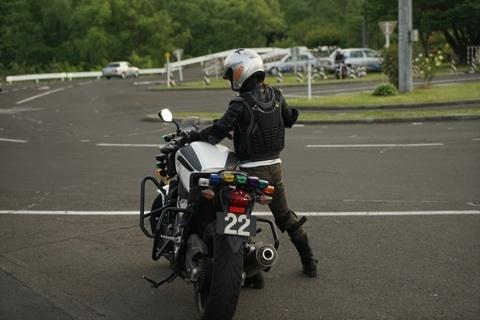 バイク 引き起こし3.jpg
