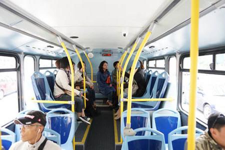 バスの中一階.jpg