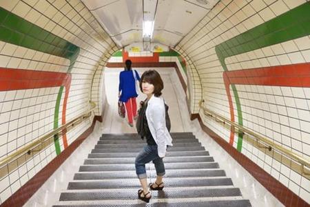 地下鉄階段.jpg
