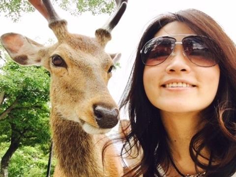 宮島 鹿とツーショット.jpg