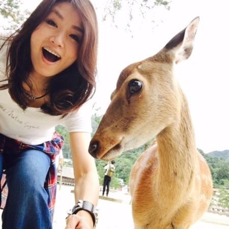 宮島 鹿とツーショット横顔.jpg