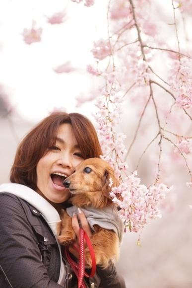 桜 モモとワタナベ口開け.jpg