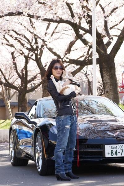 桜・車の前で.jpg
