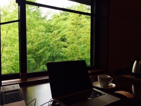 竹泉荘 窓.jpg